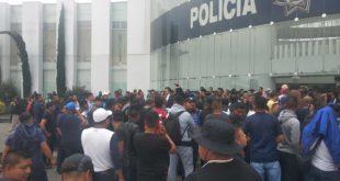 Policías federales exigen al gobierno trabajo o despido digno