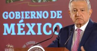 """Amparos contra aeropuerto en Santa Lucía son """"sabotaje legal"""": AMLO"""