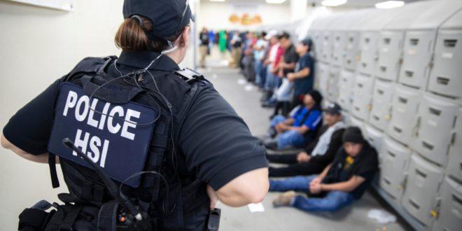 Ocho los migrantes mexicanos detenidos en mega-redada en Misisipi