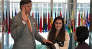 Rinde protesta Christopher Landau como embajador de EU en México