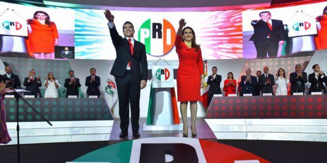 Alejandro Moreno toma protesta como presidente nacional del PRI