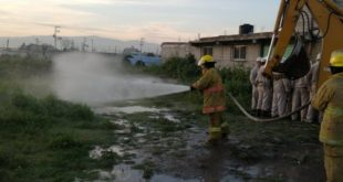 Controlan fuga de gas LP por toma clandestina en Tezoyuca, Edomex