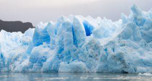 Científicos encuentran rastros de plástico en hielo ártico
