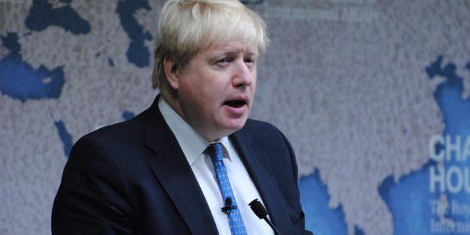 Prepara Boris Johnson ley para bloquear extensiones al período de transición del Brexit