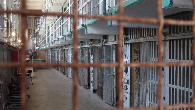 Recibe Congreso Ley de Amnistía de AMLO