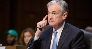Reconoce Powell de desaceleración en EU; indica posible recorte de tasas