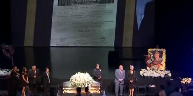 Realizan homenaje póstumo a José José en Miami