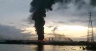 Controlan incendio registrado al interior del complejo Pajaritos de Pemex