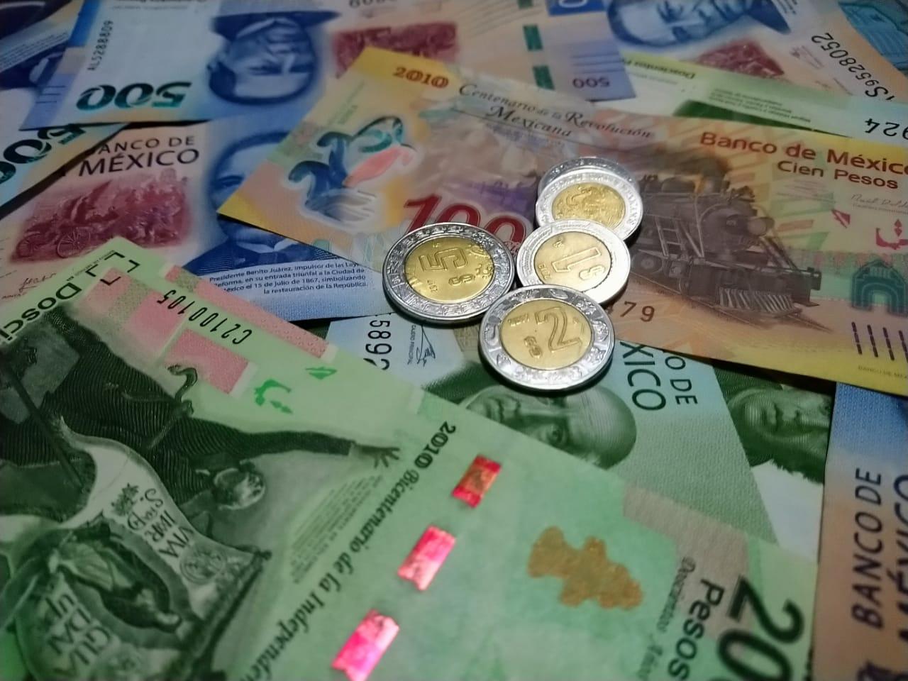 Peso mexicano regresa al piso de las 22 unidades por dólar