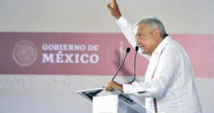 Advierte AMLO sobre 'lluvia de amparos' contra el Tren Maya