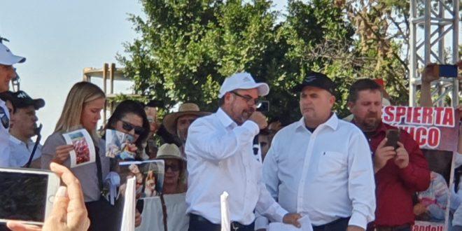 Familia LeBarón se reúne con AMLO; 'No nos dieron atole con el dedo', dicen