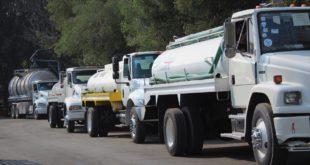 Reparten pipas de Sacmex 760 mil litros de agua en primer día de corte en CDMX