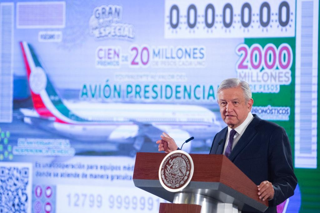 AMLO pedirá ayuda a empresarios para vender 'cachitos' de sorteo nacional, avión presidencial