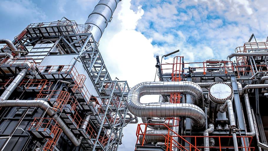 Año tormentoso para empresas de gas y petróleo, augura Moody's