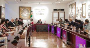 AMLO se reúne con gabinete para discutir estrategia contra coronavirus