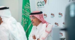 Saudís insisten en mega recorte a oferta petrolera; México aún rechaza propuesta