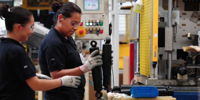 IGAE, Actividad económica retrocede 2.6% en marzo