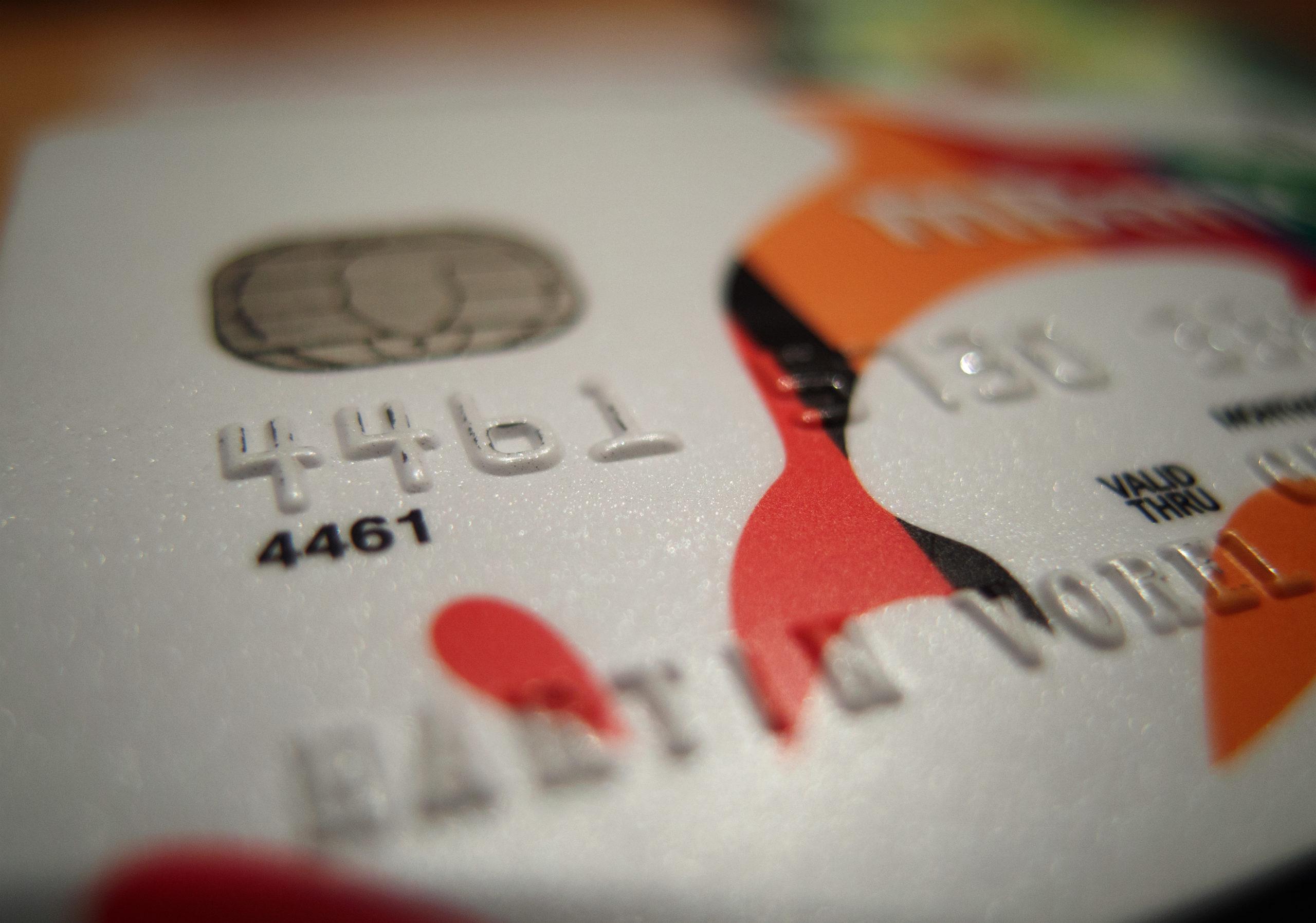 Bancos reportan caída en demanda de créditos personales y automotrices en 1T20