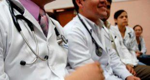 Prepara gobierno hasta 30 mil becas en el extranjero para estudiantes de medicina