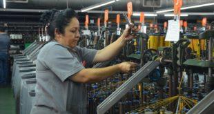 Confianza de manufactureros alcanza su peor nivel en más de 10 años