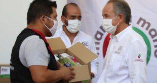 Gobierno de SLP entrega despensas a afectados por crisis económica del COVID-19