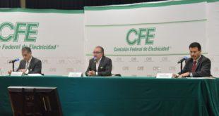 CFE denuncia exceso de oferta eléctrica por permisos de CRE