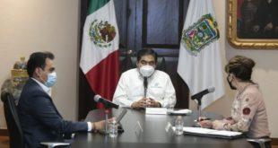 Barbosa extenderá suspensión de actividades para constructoras y automotrices en Puebla