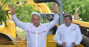 AMLO da penúltimo banderazo para obras del Tren Maya