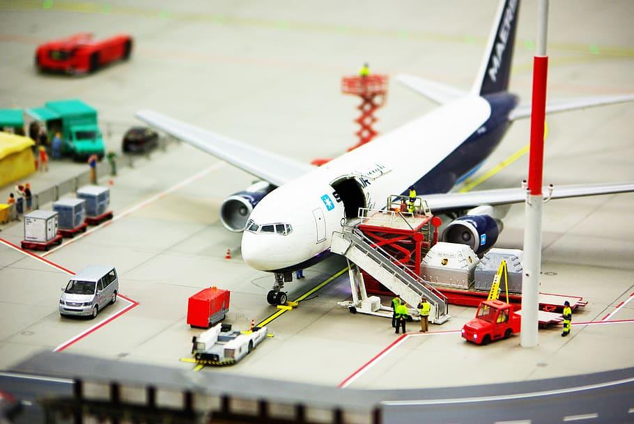 Gobierno de EU cierra las puertas a aerolíneas chinas