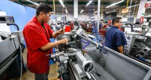 Manufacturas inician preparativos para reapertura en CDMX el martes