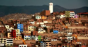 Crisis del coronavirus arriesga avances de combate a la pobreza en LATAM: Banco Mundial