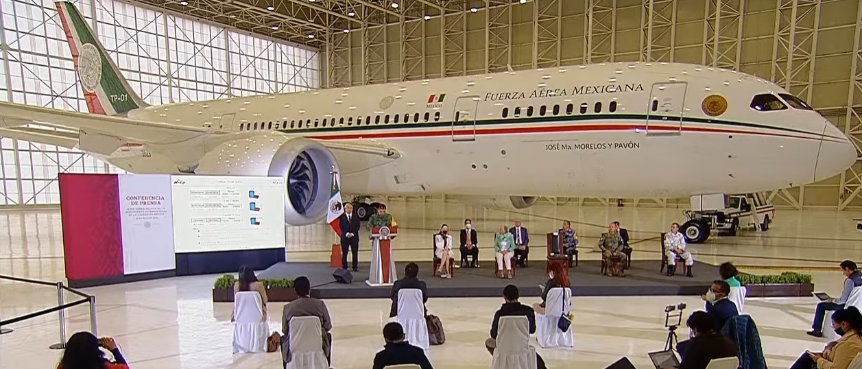 """Gobierno se ahorra 329.7 mdp por """"aterrizar"""" el avión presidencial"""