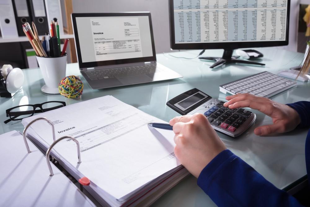 Bloquea UIF cuentas de 42 empresas factureras