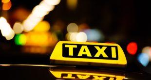 Uber considera ofrecer servicio de taxis en México