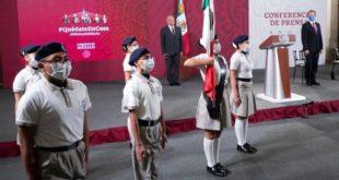 Desde Palacio Nacional, dan 'banderazo' para inicio de nuevo ciclo escolar