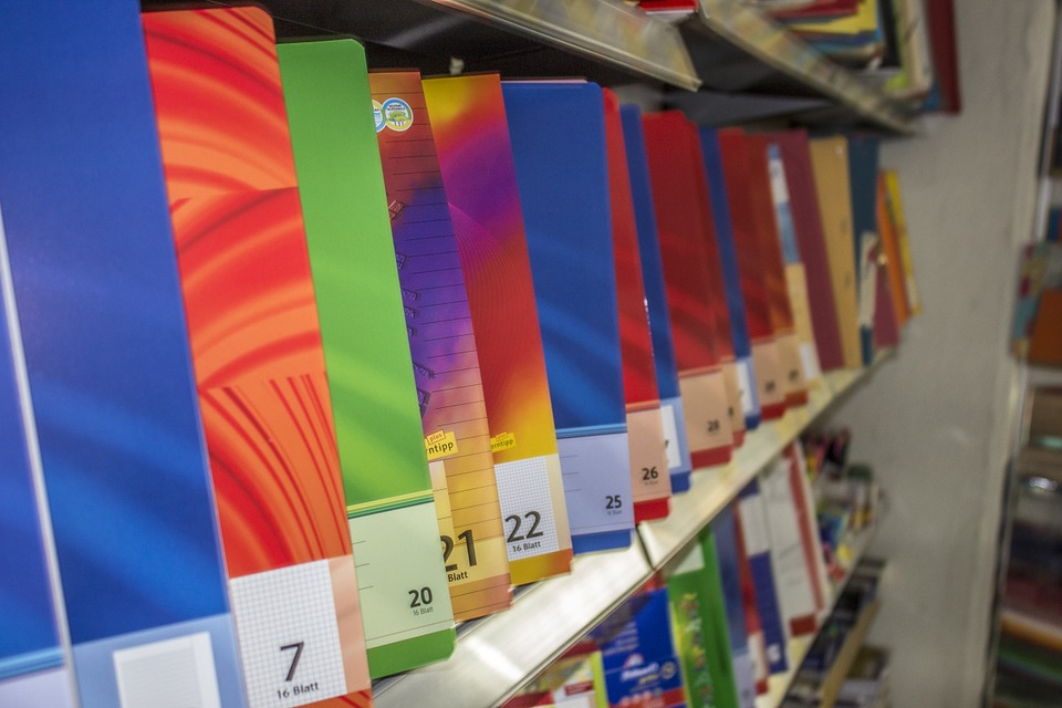 Papelerías, librerías y editoriales operan como negocios esenciales desde el martes