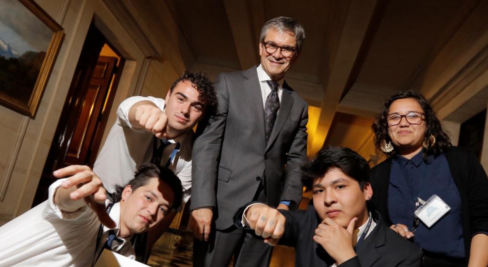 ¿Por qué es importante un banco central? Estudiantes chilenos lo explican...con rap