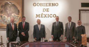 AMLO sostiene reunión con CEO global de Coca Cola