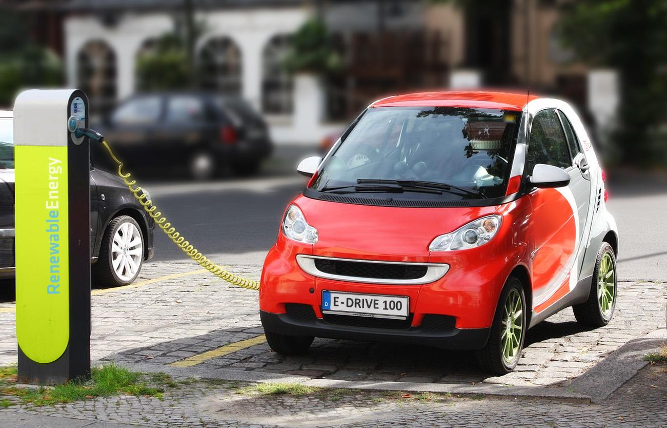 Retiran temporalmente aranceles a coches eléctricos importados