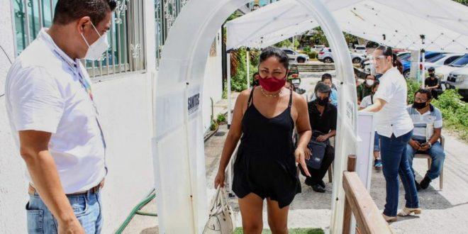Van más de 76 mil muertes por COVID en México; casos acumulados suben 0.8%