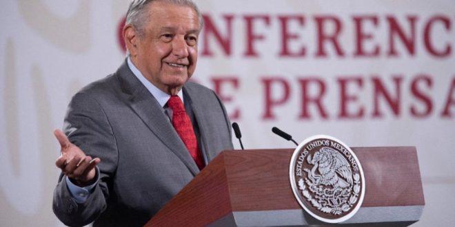 Gobierno no cederá en política de rescate a Pemex y CFE: AMLO