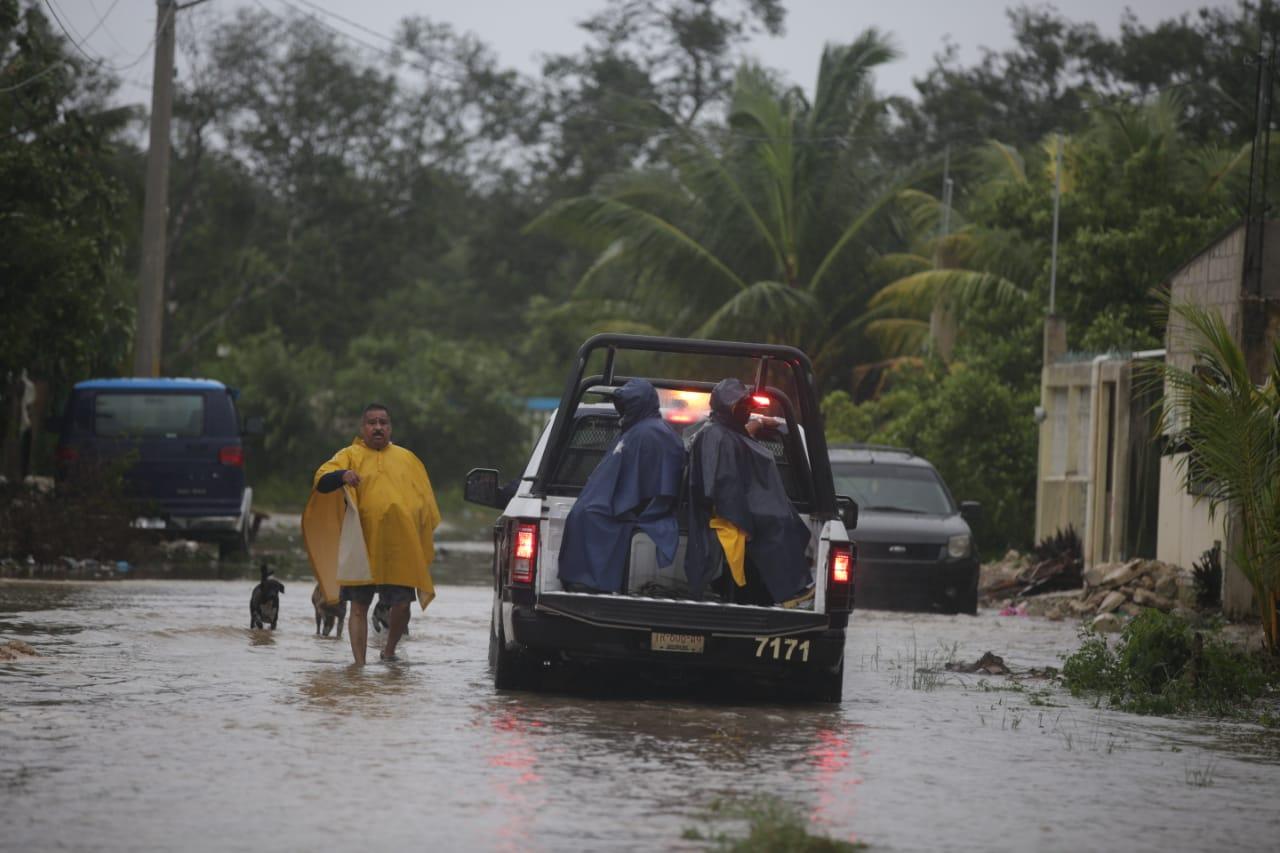 Damnificados de tormenta Gamma en Quintana Roo / @SSP_QROO