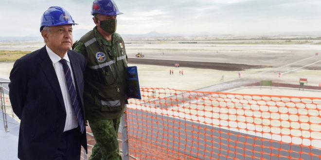 Aeropuerto de Santa Lucía lleva 40% de avance: AMLO