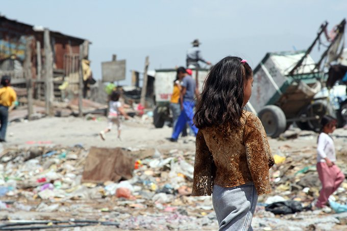 mujeres, Pobreza en América Latina / Foto: @FMInoticias