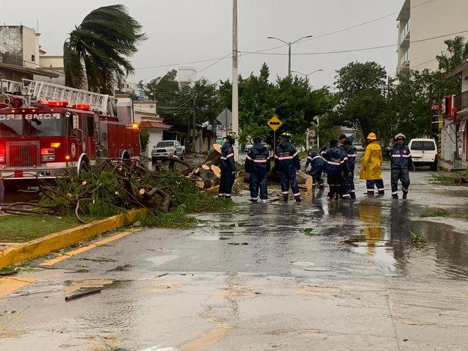 Efectos del huracán Delta en Quintana Roo / @CarlosJoaquin