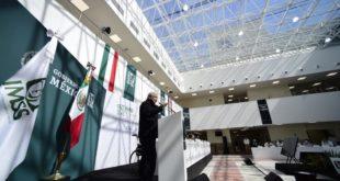 AMLO ve 'luz al final del túnel' para la pandemia, a pesar de señales de repunte