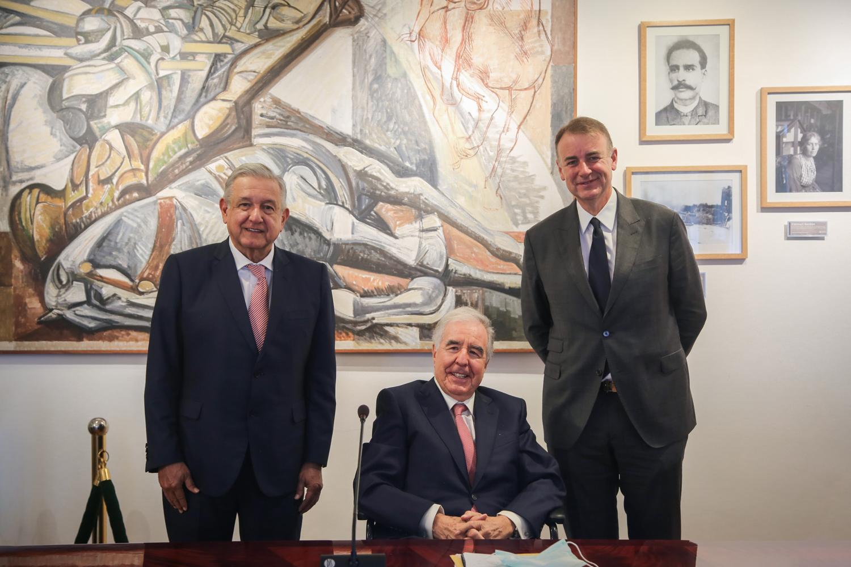 AMLO se reúne con ejecutivos de ALTÁN Redes