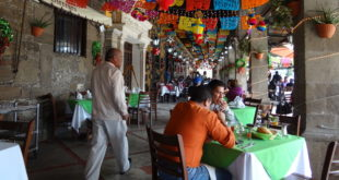 CDMX sigue en semáforo naranja con alerta; cortan horarios a restaurantes