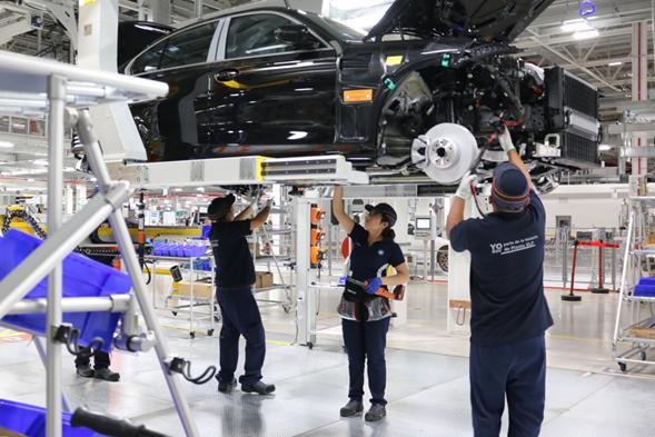 Planta de BMW en SLP genera más de 2 mil 500 empleos