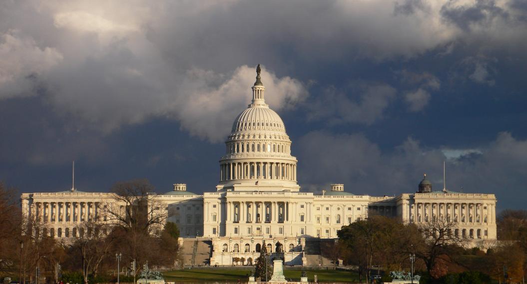Despliegan Guardia Nacional para retomar Capitolio en Washington